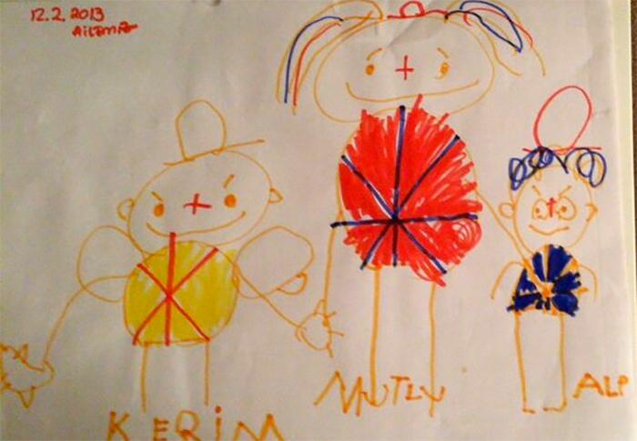 Рисунок ребенка, послуживший эскизом для украшения.