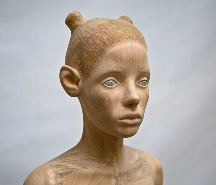 Нимфа (скульптура из тополя). Автор: Ted Lawson.