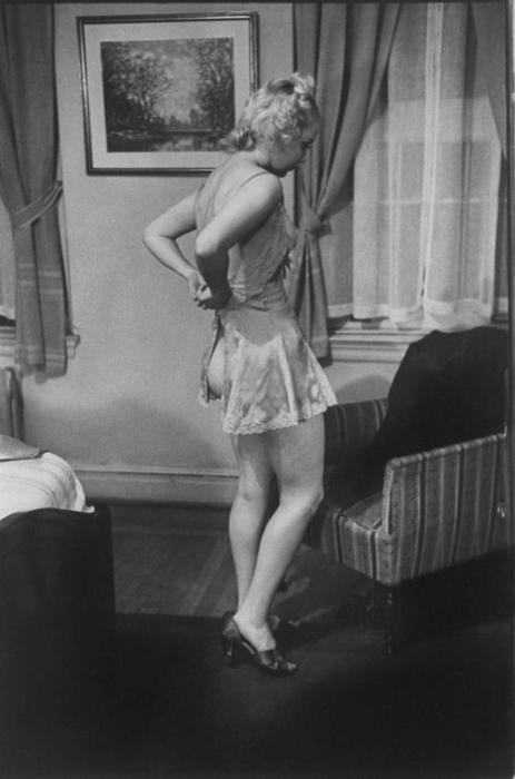 Искусство снятия нижнего белья.