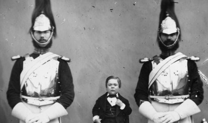 Генерал Том-Там с гвардейцами.