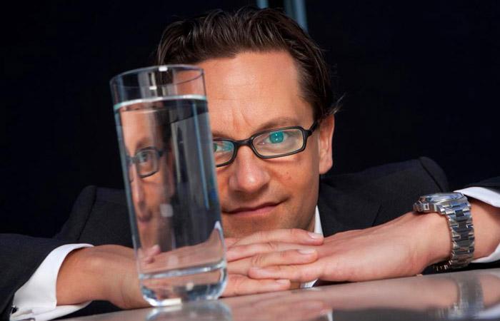 Мартин Риз - сомелье воды.