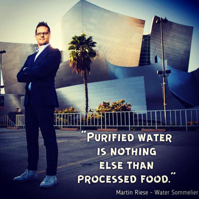 Очищенная вода - то же самое, что переработанная пища.