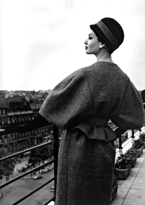 Вилли Мэйвальд был первым, кто вывел моделей для съемок на улицы.