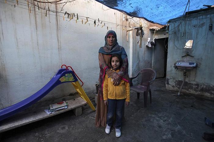 Бидаа Мем Табет аль-Хасан-ум-Сулейман и Мариам Халед Mасто.
