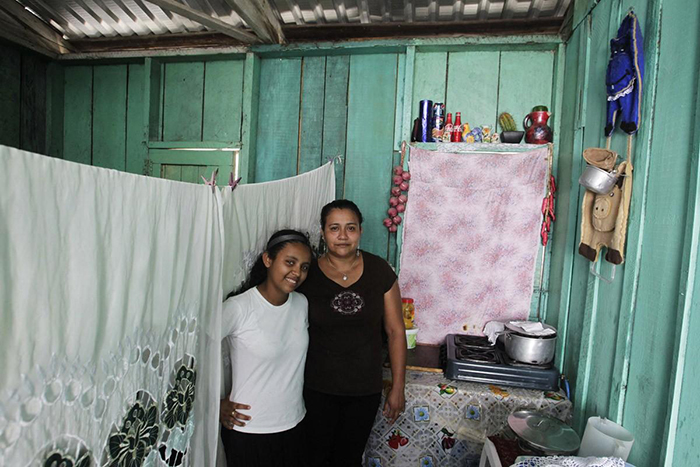 Сусана Мария Кардона и Алехандра Рубин Кардона.