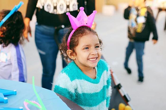 Вот уже шесть лет каждый месяц  Worthy of Love организовывают вечеринки для бездомных детей. Instagram worthyoflovela.