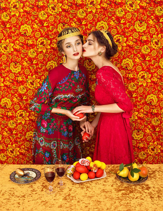 Яркие краски - один из отличительных черт стиля Яковлева и Алеевой.