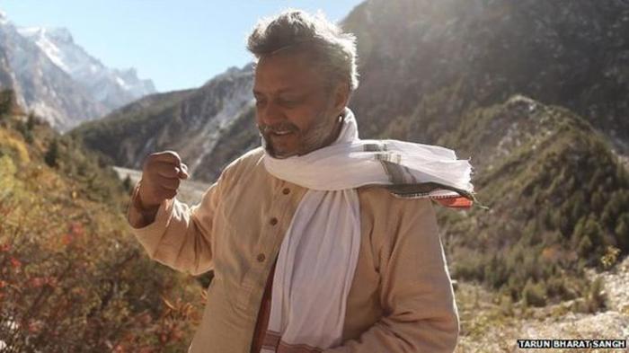 Раджендра Сингх два года строил дамбы и емкости из подручного материала, прежде чем вода вернулась в эти края.