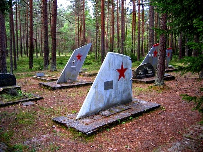 Кладбище ухоженное, несмотря на свою удаленность.