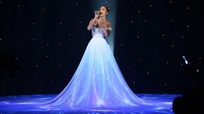 Необычное платье Джей Ло.