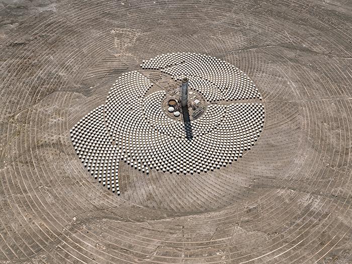 Солнечные батареи - проект Cerro Dominador в пустыне Атакама, 2017.