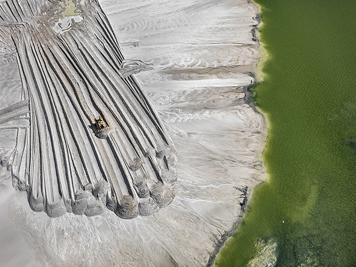 Пруд-хвостохранилище фосфора, Лейкланд, Флорида, США, 2012 год.