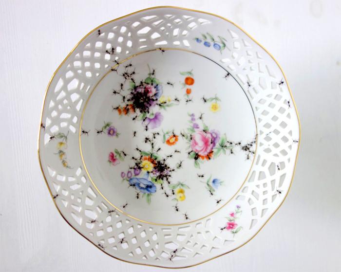 Необычная посуда Эвелин Браклоу.