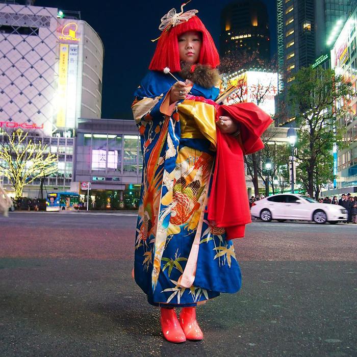 Аякамаи, актриса играющая *Мимикаки*. Токио, Япония. Instagram aroundtheworld_in80styles.