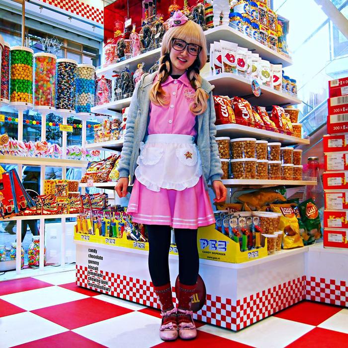 Сайа, продавщица сладостей. Токио, Япония.