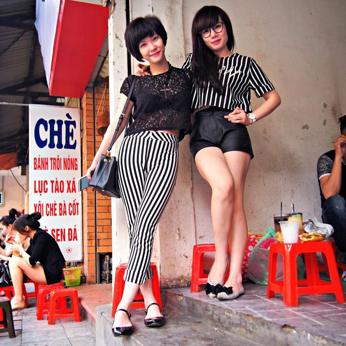 Чан и Лили, вышли прогуляться. Ханой, Вьетнам.