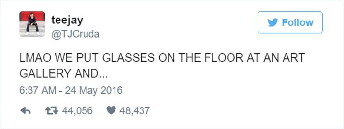 Твит от @TJCruda: Мы положили очки на пол в галерее искусств, и....