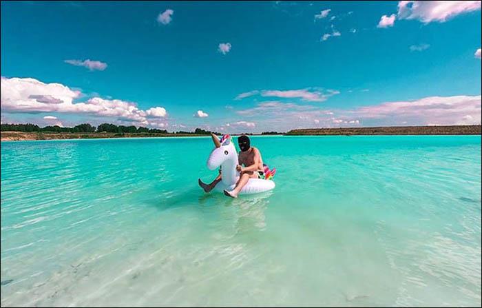 Озеро-золоотвал. Instagram maldives_nsk.