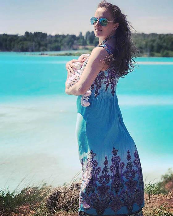 Вода в озере обладает мыльным запахом. Instagram maldives_nsk.
