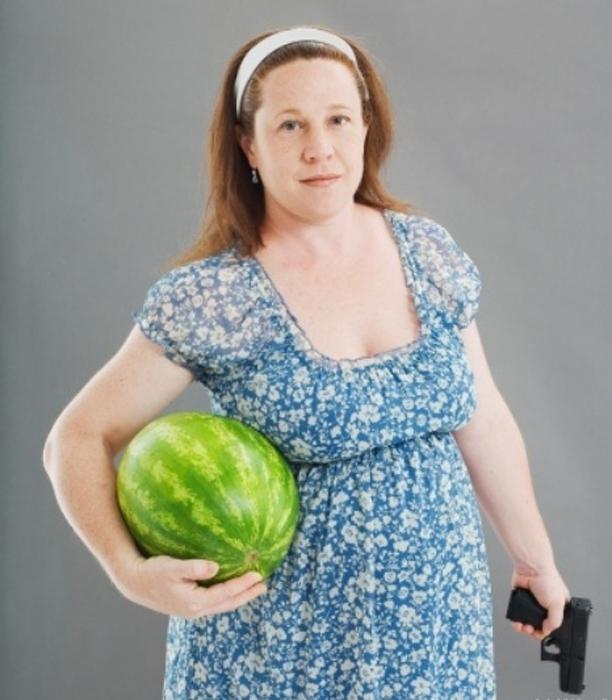 Беременность - это, конечно же, арбуз и пистолет.