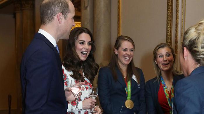 Еще во вторник принц Уильям был со своей старой прической.