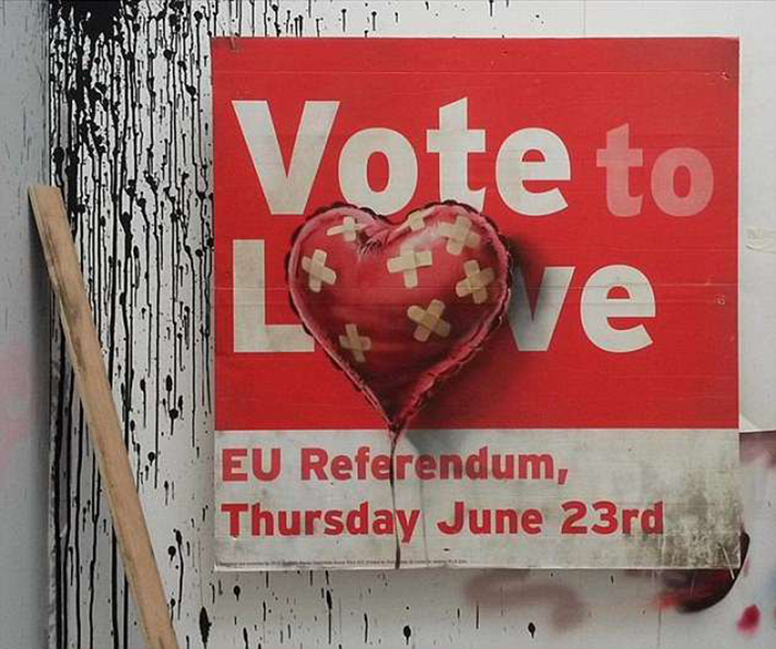 Новая работа Бэнкси *Vote (to) Love*.