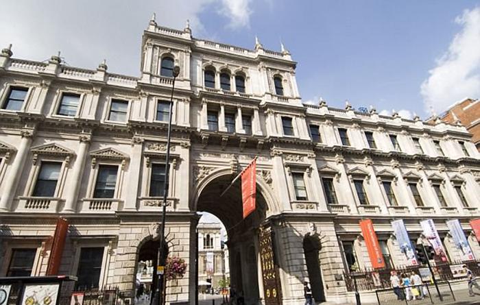 Королевская Академия Искусств в Лондоне.