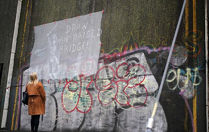 Draw The Raised Bridge.