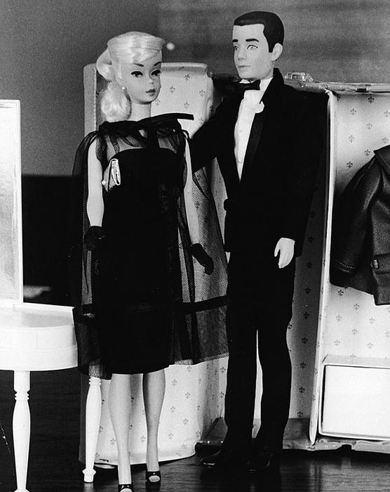 Барби и Кен у шкафа, 1964 год.