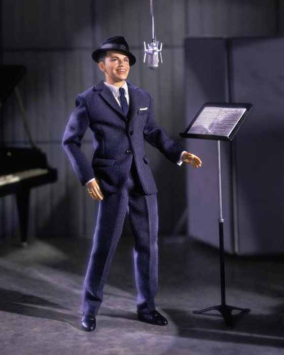 Френк Синатра также стал моделью для куклы.