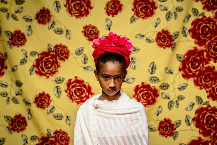 Яркий образ Фриды Кало.