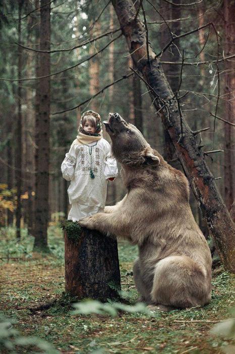 Фотографии с медведем Степаном. Фото: Ольга Баранцева.