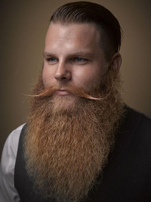 Аккуратная длиная борода. Фото: Greg Anderson.