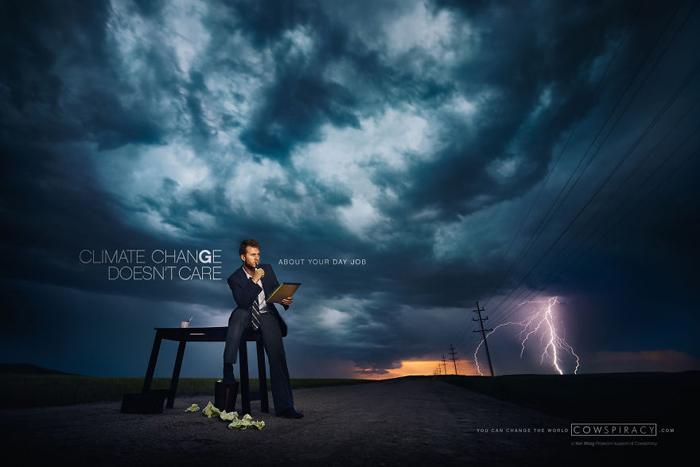 Дуг Чапин позирует для снимка, который положил начала всему концепту.