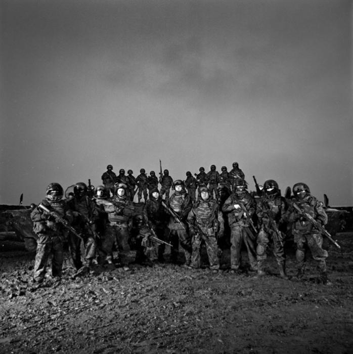 Групповое фото бойцов батальона ОРБ-242 на Кавказе. Бойцы регулярно принимали участие в специальных военных миссиях этого региона.