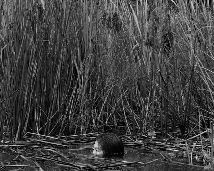 В болоте. Фото: Ben Zank Photography.