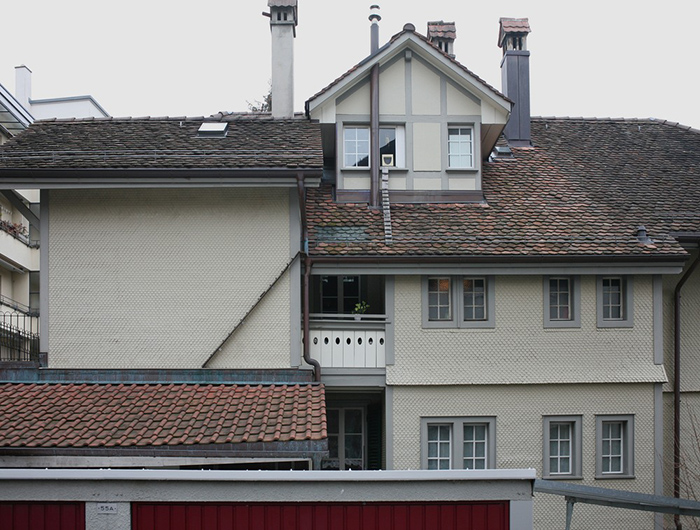 Лестница с крыши на крышу. Фото: Brigitte Schuster.