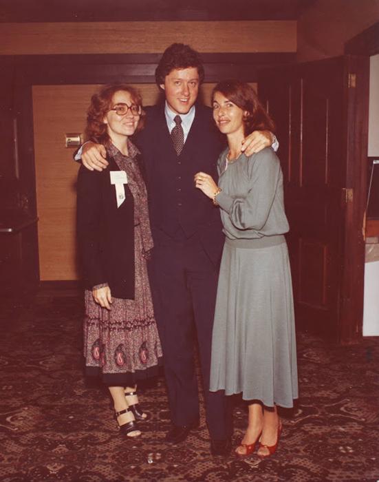 Семья Клинтонов с подругой Дайан Блейр, ок.1970г.