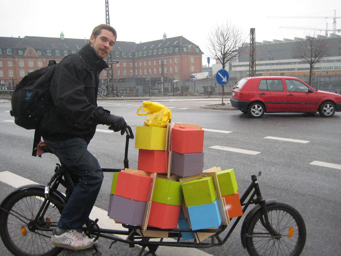 Яркие скворечники можно увидеть не только по всему Копенгагену, но и в других городах Дании, а также в других странах.