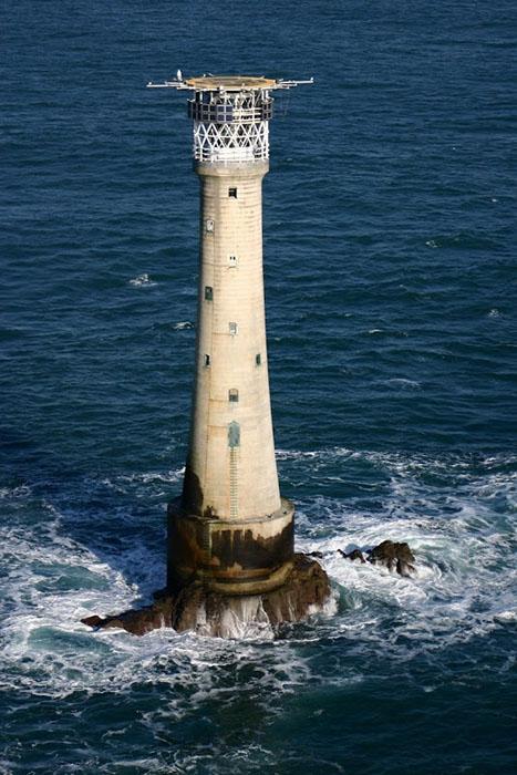 Скала Бишопа является самым маленьким обжитым островом в мире.
