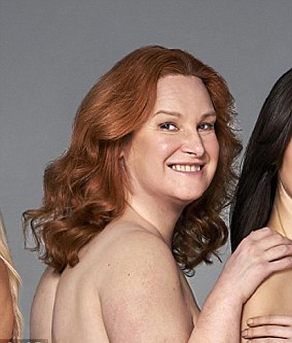 Эмма Дональдсон, 47 лет, чувствует себя сексуальной в своем 20-м размере.