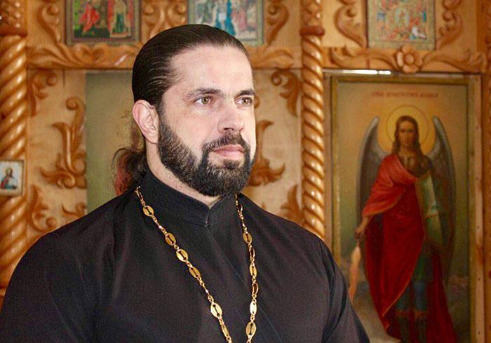 Отец Максим, настоятель храма Рождества Пресвятой Богородицы в селе Ивановка.