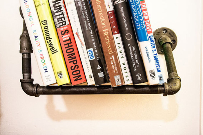 Идеальное решение для комнат, где трубы не спрятаны в стены.