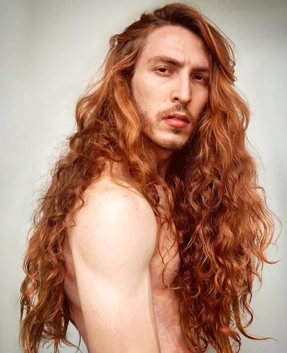 Криштиану признается, что для будущих ролей, возможно, ему когда-нибудь и придется подстричь свою шевелюру.