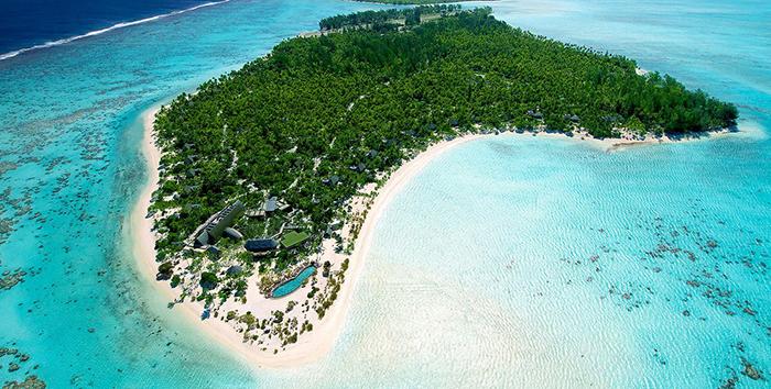 На одном из островов Марлон Брандо построил 12 хижин, которые позже превратились в люксовый спа-отель.