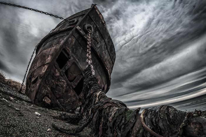 Корабль Vapor Amadeo на берегу Чили.