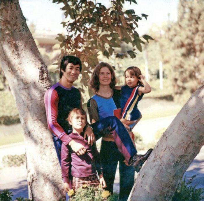Брюс и Линда Ли, их сын Брэндон и дочка Шеннон.
