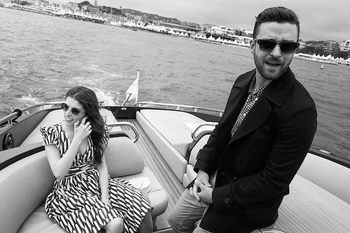 Анна Кердрик и Джастин Тимберлейк (Justin Timberlake) направляются в Канны по воде, чтобы поддержать мультфильм *Тролли*.