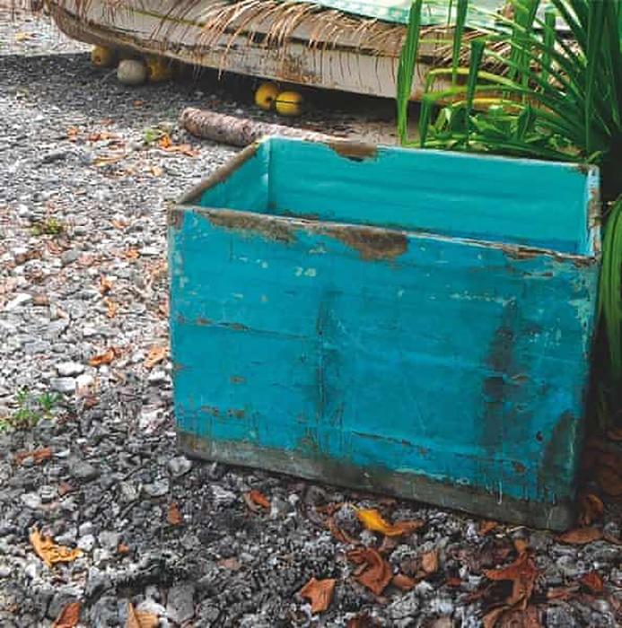 Ящик для хранения рыбы, в котором Хосе укрывался от палящего солнца.