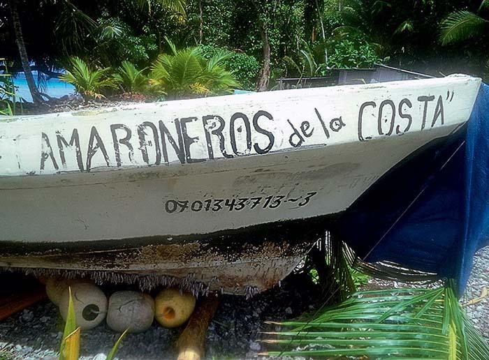 Лодка, в которой Хосе провел почти 14 месяцев в океане.